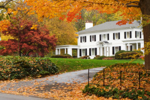 Suburban house autumn2 300x199 The Best Places to Check Out Fall Foliage! featured